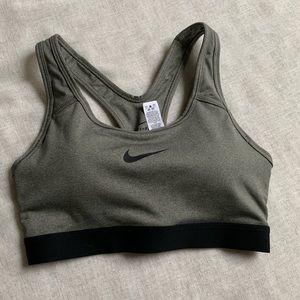 NWOT•Nike Dri-Fit padded sports bra•size XS